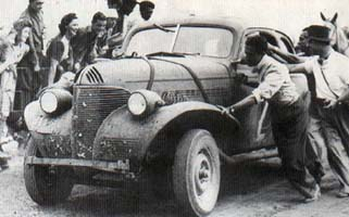 In the Chevrolet in the Vuelta de Pringles of 1948