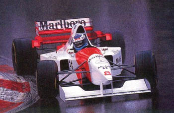 Mika Hakkinen a bordo del Mclaren MP4/10 Mercedes